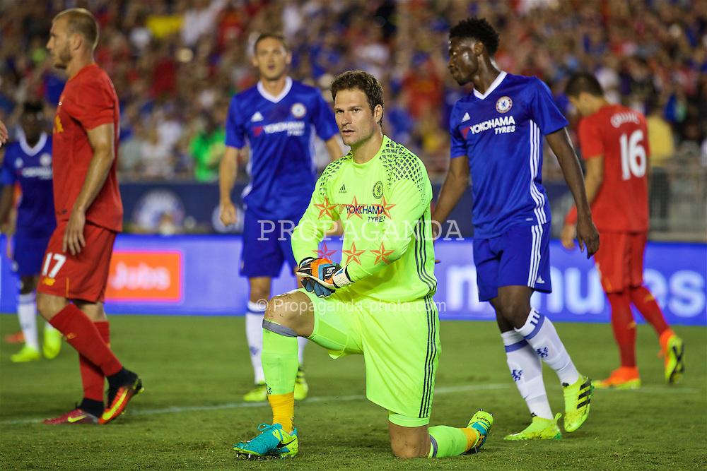 PASADENA, USA - Wednesday, July 27, 2016: Chelsea's goalkeeper Asmir Begovic during the International Champions Cup 2016 game against Liverpool on day seven of the club's USA Pre-season Tour at the Rose Bowl. (Pic by David Rawcliffe/Propaganda)