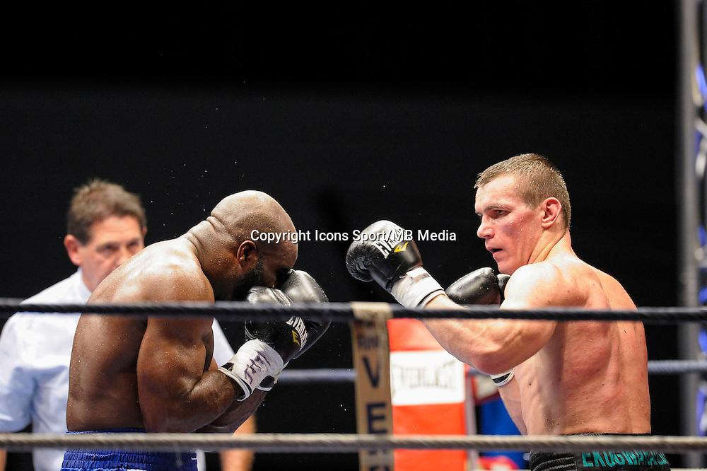 Jean Marc Mormeck / Mateusz Masternak - 05.12.2014 - Boxe - Lourds Legers - Issy les Moulineaux<br />Photo : Andre Ferreira / Icon Sport