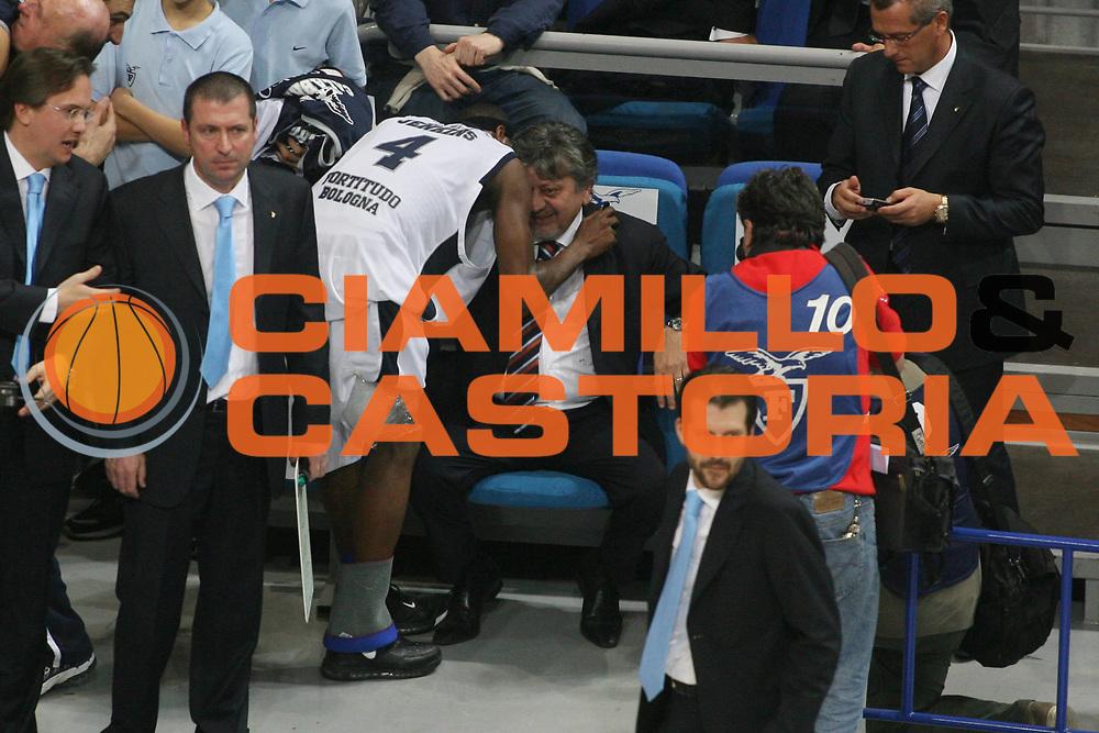 DESCRIZIONE : Bologna Lega A1 2007-08 Upim Fortitudo Bologna La Fortezza Virtus Bologna <br /> GIOCATORE : Gilberto Sacrati <br /> SQUADRA : Upim Fortitudo Bologna <br /> EVENTO : Campionato Lega A1 2007-2008 <br /> GARA : Upim Fortitudo Bologna La Fortezza Virtus Bologna <br /> DATA : 03/11/2007 <br /> CATEGORIA : Esultanza <br /> SPORT : Pallacanestro <br /> AUTORE : Agenzia Ciamillo-Castoria/G.Ciamillo