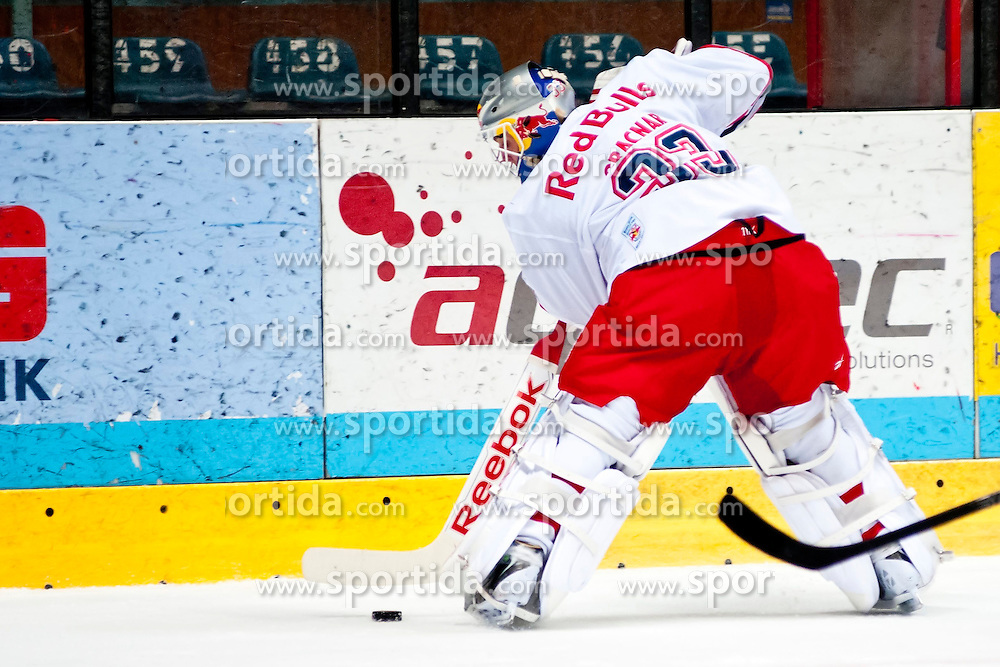 05.01.2014, Zimni Stadion, Zneim, CZE, EBEL, HC Orli Znojmo vs EC Red Bull Salzburg, 64. Runde, im Bild Luka Gracnar (EC Red Bull Salzburg #33) // Luka Gracnar (EC Red Bull Salzburg #33) during the Erste Bank Icehockey League 64th round match between HC Orli Znojmo and EC Red Bull Salzburg at the Zimni Stadion in Zneim, Czech Republic on 2014/01/05. EXPA Pictures © 2014, PhotoCredit: EXPA/ Rostislav Pfeffer