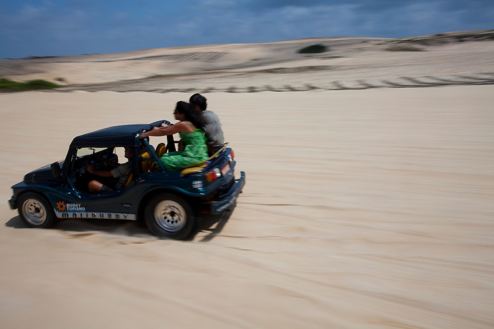 Natal_RN, Brasil...Passeio de buggy nas dunas no litoral norte...The buggy ride in the north coast...Foto: LEO DRUMOND / NITRO