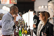 Besonderer Augenblick bei Wines of South Africa auf der Prowein in Duesseldorf. Foto: MartinKaemper.de, Messefotografie