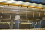D&uuml;ren. 15.03.17 | BILD- ID 043 |<br /> GKD - Gebr. Kufferath AG. Metallfassade f&uuml;r die Neue Mannheimer Kunsthalle.<br /> Das Unternehmen in D&uuml;ren produziert Fassaden f&uuml;r die Architektur aus Metall. Ein gewebtes Metallgitter wird von Aussen an die Fassade montiert. <br /> Kunsthallendirektorin Dr. Ulrike Lorenz besucht das Unternehmen in D&uuml;ren und freut sich &uuml;ber die technische Umsetzung mit einer speziell goldenen Pigmentierung der Edelstahlstreben.<br /> Bild: Markus Prosswitz 15MAR17 / masterpress (Bild ist honorarpflichtig - No Model Release!)