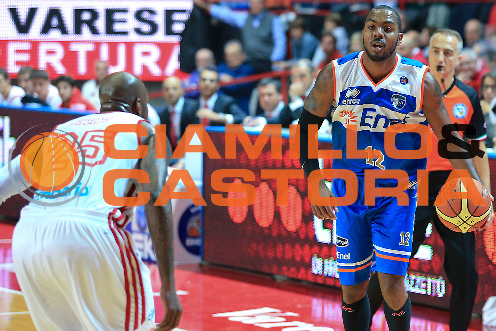 DESCRIZIONE : Varese Lega A 2012-13 Cimberio Varese Enel Brindisi <br /> GIOCATORE : Lewis Ron<br /> CATEGORIA : Palleggio<br /> SQUADRA : Enel Brindisi<br /> EVENTO : Campionato Lega A 2013-2014<br /> GARA : Cimberio Varese Enel Brindisi<br /> DATA : 17/11/2013<br /> SPORT : Pallacanestro <br /> AUTORE : Agenzia Ciamillo-Castoria/I.Mancini<br /> Galleria : Lega Basket A 2013-2014  <br /> Fotonotizia : Varese Lega A 2013-2014 Cimberio Varese Enel Brindisi<br /> Predefinita :