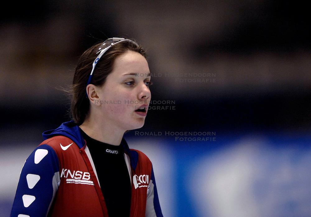 27-01-2007 SCHAATSEN: ESSENT WORLDCUP SPRINT: HEERENVEEN<br /> Laurine van Riessen<br /> &copy;2007-WWW.FOTOHOOGENDOORN.NL