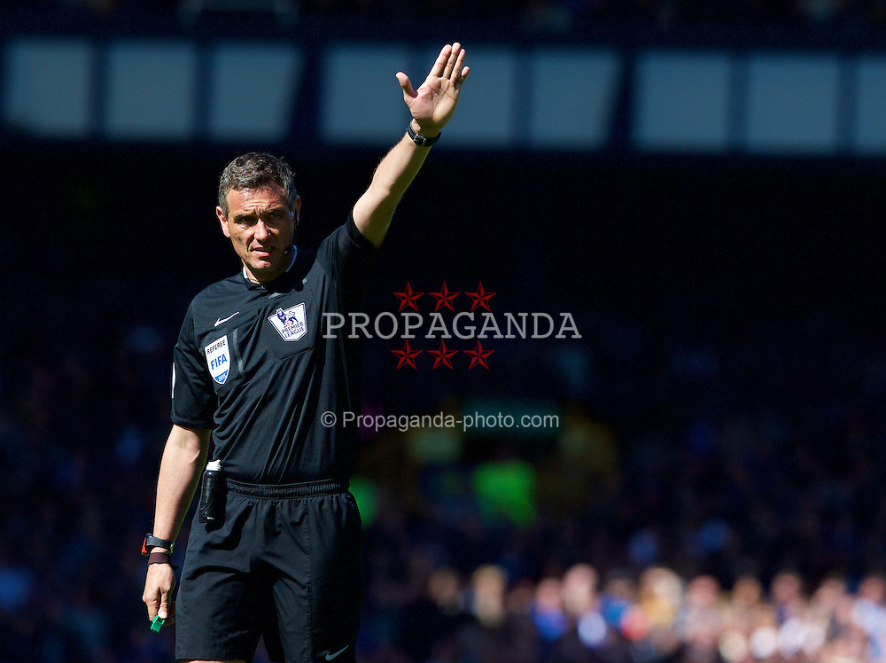 LIVERPOOL, ENGLAND - Sunday, April 26, 2015: Referee Andre Marriner during the Premier League match between Everton and Manchester United at Goodison Park. (Pic by David Rawcliffe/Propaganda)