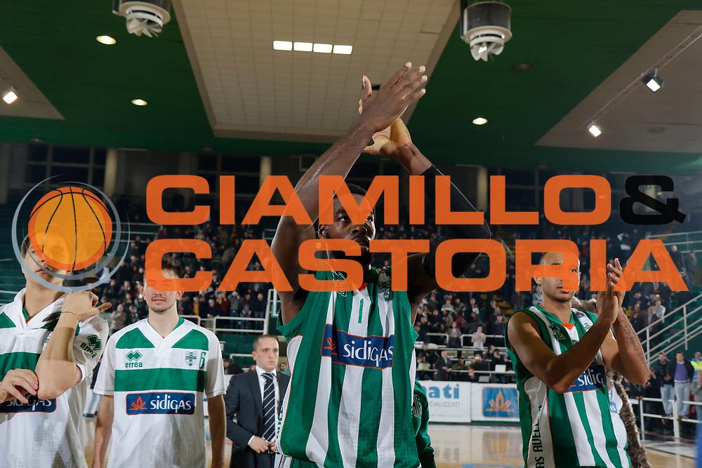 DESCRIZIONE : Avellino Lega A 2014-15 Sidigas Avellino Acea Virtus Roma<br /> GIOCATORE : O.D. Anosike<br /> CATEGORIA : esultanza<br /> SQUADRA : Sidigas Avellino<br /> EVENTO : Campionato Lega A 2014-2015<br /> GARA : Sidigas Avellino Acea Virtus Roma<br /> DATA : 13/12/2014<br /> SPORT : Pallacanestro <br /> AUTORE : Agenzia Ciamillo-Castoria/A. De Lise<br /> Galleria : Lega Basket A 2014-2015 <br /> Fotonotizia : Avellino Lega A 2014-15 Sidigas Avellino Acea Virtus Roma