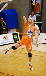 20141029 BEL: Eredivisie, Callant Antwerpen - Volley Behappy2 Asse - Lennik: Antwerpen<br />Jasper Diefenbach (10) of Volley behappy2 Asse - Lennik<br />©2014-FotoHoogendoorn.nl / Pim Waslander