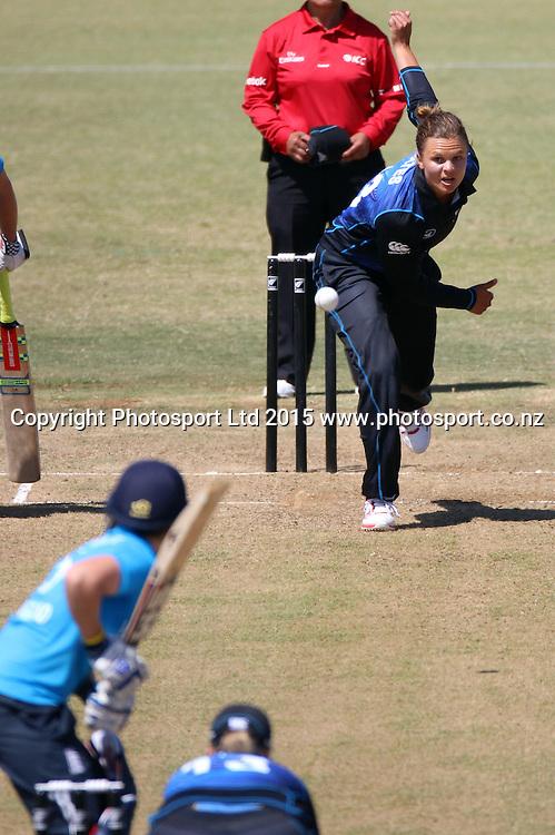 Suzie Bates of NZ bowling. New Zealand White Ferns v England - 3rd ODI at Bay Oval, Mount Maunganui, New Zealand. 15 February 2015. Photo credit: Margot Butcher/www.photosport.co.nz
