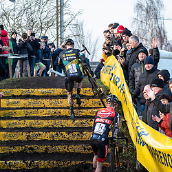 2019-12-27 Cycling: dvv verzekeringen trofee: Loenhout: Upstairs: Corne van Kessel and Eli Iserbyt climbing the steps