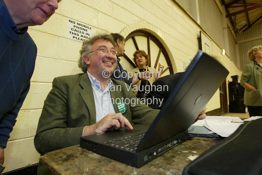 18/5/2002.Alderman Michael Lanigan Jnr head of the Fianna Fail tally pictured at work at the Carlow Kilkenny count in the community centre in Thomastown County Kilkenny..Picture Dylan Vaughan