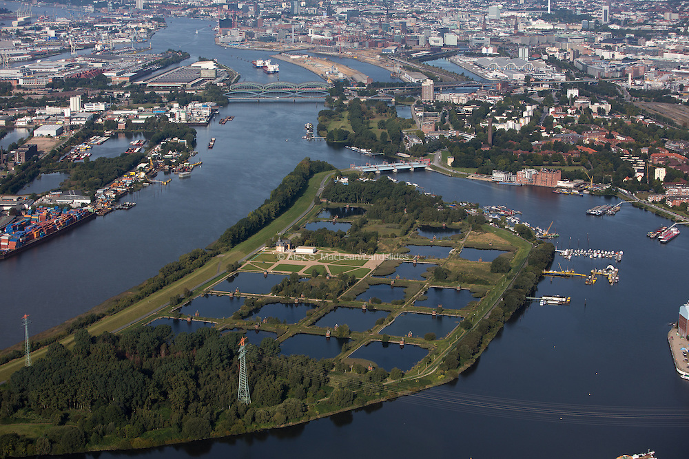 Kaltehofe is a river island, which was created artificially by the straightening of the North Elbe and the creation of the Bill Werder Bay 1875-1879 with the Elbdurchstich in Hamburg, Germany.