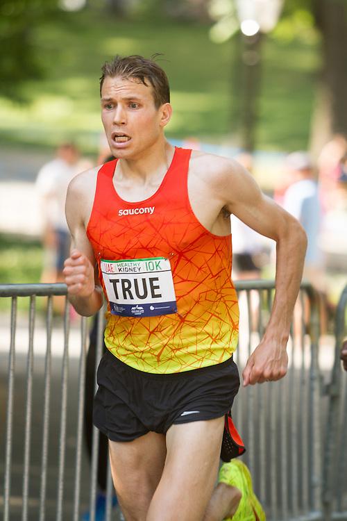 UAE Healthy Kidney 10K, Ben True makes big push late in race