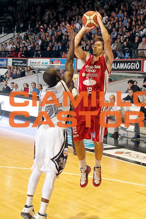 DESCRIZIONE : Caserta Lega A 2014-15 Pasta Reggia Caserta Giorgio Tesi Group Pistoia<br /> GIOCATORE : Ariel Filloy<br /> CATEGORIA : tiro<br /> SQUADRA :  Giorgio Tesi Group Pistoia<br /> EVENTO : Campionato Lega A 2014-2015<br /> GARA : Pasta Reggia Caserta Giorgio Tesi Group Pistoia<br /> DATA : 02/11/2014<br /> SPORT : Pallacanestro <br /> AUTORE : Agenzia Ciamillo-Castoria/A. De Lise<br /> Galleria : Lega Basket A 2014-2015 <br /> Fotonotizia : Caserta Lega A 2014-15 Pasta Reggia Caserta Giorgio Tesi Group Pistoia
