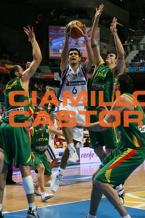 DESCRIZIONE : Madrid Spagna Spain Eurobasket Men 2007 Final 3rd 4th Place Grecia Lituania Greece Lithuania <br /> GIOCATORE : Nikolaos Zisis <br /> SQUADRA : Grecia Greece <br /> EVENTO : Eurobasket Men 2007 Campionati Europei Uomini 2007 <br /> GARA : Grecia Lituania Greece Lithuania <br /> DATA : 16/09/2007 <br /> CATEGORIA : Tiro <br /> SPORT : Pallacanestro <br /> AUTORE : Ciamillo&amp;Castoria/A.Vlachos <br /> Galleria : Eurobasket Men 2007 <br /> Fotonotizia : Madrid Spagna Spain Eurobasket Men 2007 Final 3rd 4th Place Grecia Lituania Greece Lithuania <br /> Predefinita :