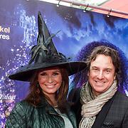 NLD/Ede/20140615 - Premiere film Heksen bestaan niet, Leontien Borsato - Ruiters en zoon partner Marco Borsato