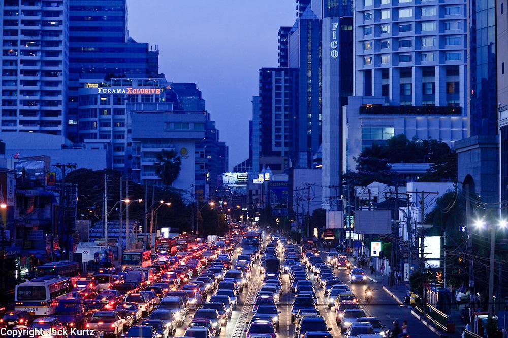 Mar. 19, 2009 -- BANGKOK, THAILAND: Evening traffic on Soi Asoke at Sukhumvit Rd in Bangkok, Thailand.   the Photo by Jack Kurtz
