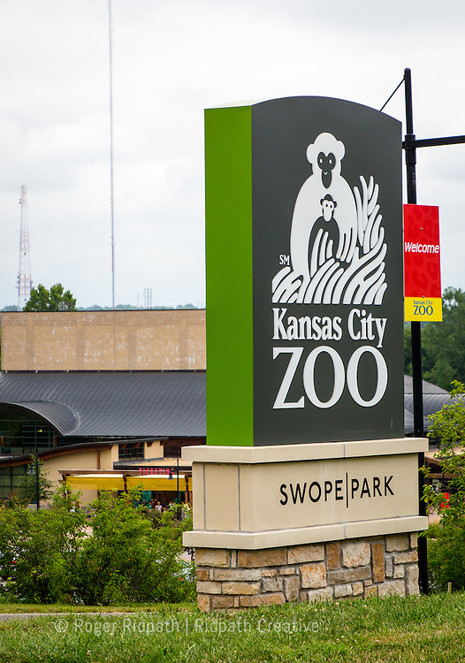 Kansas City Zoo Entrance Sign
