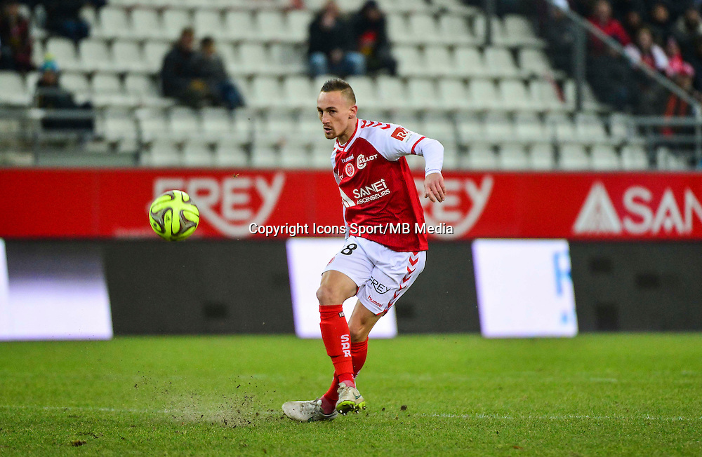 Gaetan COURTET - 25.01.2015 - Reims / Lens  - 22eme journee de Ligue1<br /> Photo : Dave Winter / Icon Sport *** Local Caption ***