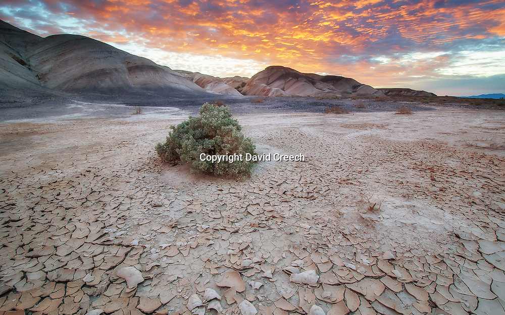 Sunrise near Kittfox Hills in Death Valley National Park