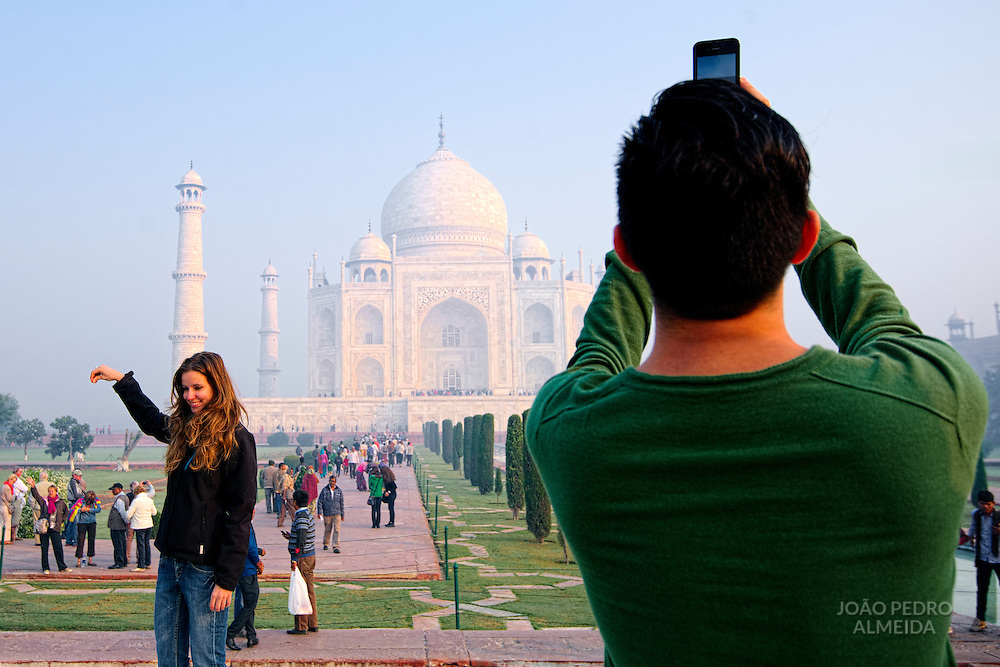 Visitors early in the morning at the Taj Mahal