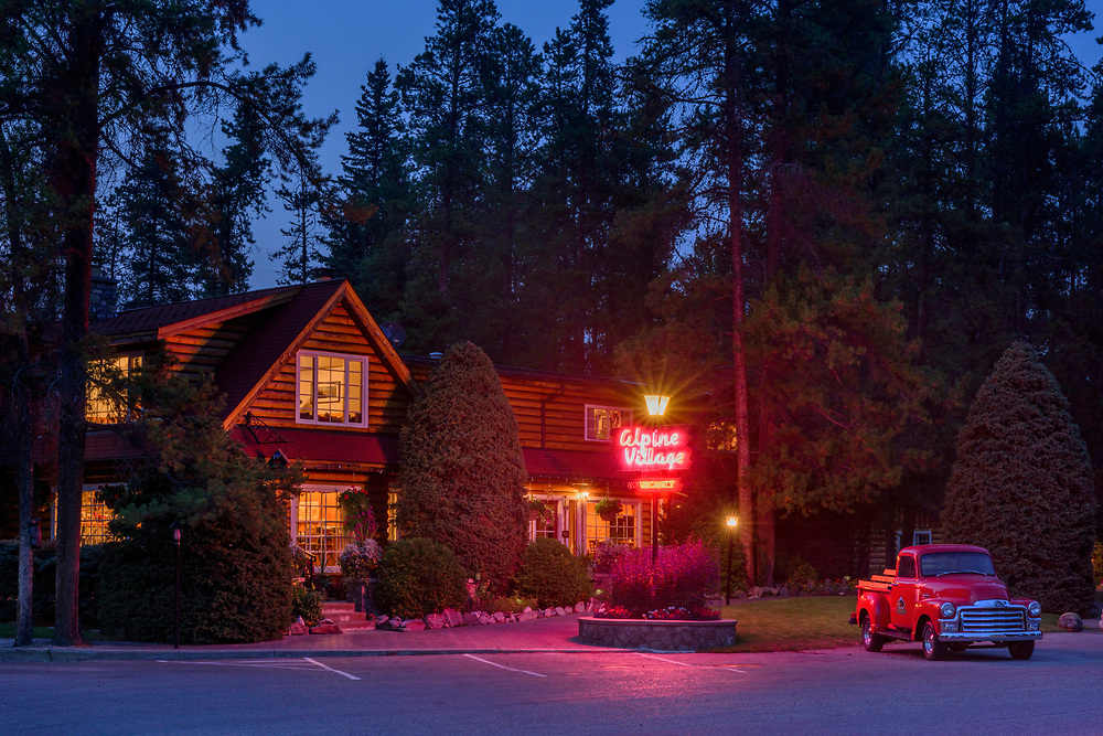 North America, Canada, Canadian,Alberta, Rocky Mountains, Jasper National Park, UNESCO, World Heritage, American Nightscapes Alpine Village Motel