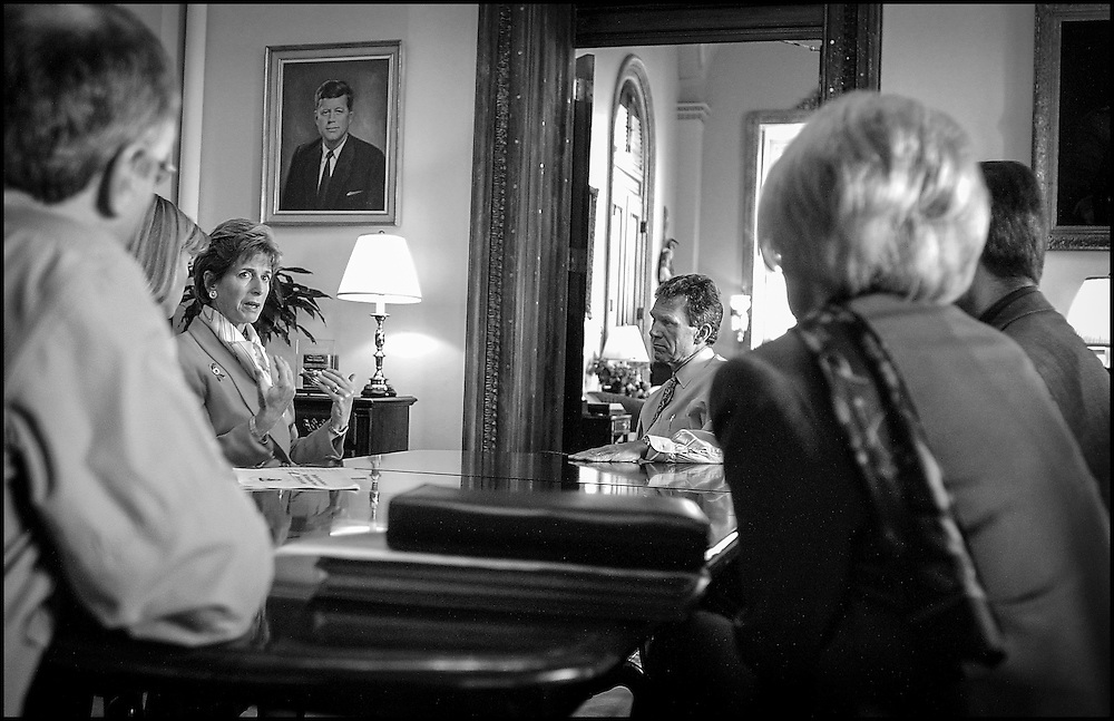 EPA Sec. Christy Todd Whitman briefs Sen. Daschle on how they plan to clean the Hart Building of anthrax.  10/30/01..©PF BENTLEY/PFPIX.com