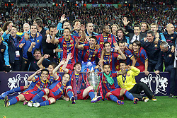 28.05.2011, Wembley Stadium, London, ENG, UEFA CHAMPIONSLEAGUE FINALE 2011, FC Barcelona (ESP) vs Manchester United (ENG), im Bild die Barcelona Spieler feiern mit dem Pokal., EXPA Pictures © 2011, PhotoCredit: EXPA/ InsideFoto/ Paolo Nucci *** ATTENTION *** FOR AUSTRIA AND SLOVENIA USE ONLY!
