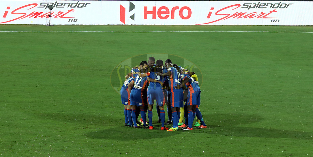 FC Goa team huddle before the start of the match 8 of the Indian Super League (ISL) season 3 between FC Goa and FC Pune City held at the Fatorda Stadium in Goa, India on the 8th October 2016.<br /> <br /> Photo by Sandeep Shetty / ISL/ SPORTZPICS