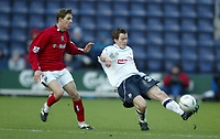 Fotball<br /> FA Cup England 2004/2005<br /> 3. runde<br /> 08.01.2005<br /> Foto: SBI/Digitalsport<br /> NORWAY ONLY<br /> <br /> Preston NE v West Bromwich Albion<br /> <br /> Robbie Kozluk of Preston is chased by Zoltan Gura of West Bromwich Albion.