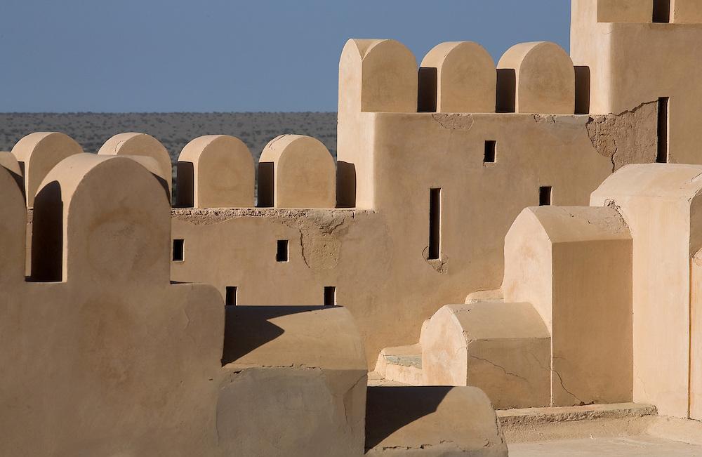 OMAN Sultanat; Arabische Halbinsel, Golf von Oman; Tourismus; Blick von der Burg, Fort in Nakhtl, VIEW from ancient Fort;  ,12.03.2008