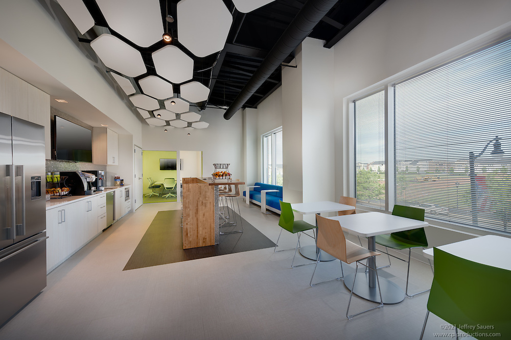 Office interior image of Hortonworks in Maple Lawn Corporate Center in Marylad by Jeffrey Sauers of Commercial Photographics, Architectural Photo Artistry in Washington DC, Virginia to Florida and PA to New England