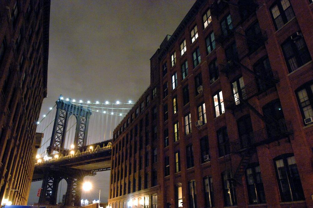 USA New York Brooklyn Manhattan Bridge Dumbo aus der Serie Night Vision Nacht Nachtaufnahme