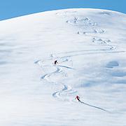Bild von Zwei Tourenskifahrer am Abfahrt von Pfaffli in Simmental