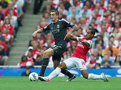 20.08.2011, Emirates Stadium, London, ENG, PL, FC Arsenal vs Liverpool FC, im Bild Liverpool's Daniel Agger in action against Arsenal's Theo Walcott during the Premiership match at the Emirates Stadium, EXPA Pictures © 2011, PhotoCredit: EXPA/ Propaganda/ D. Rawcliffe *** ATTENTION *** UK OUT!