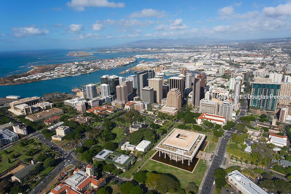 State Capitol Building, Downtown Honolulu, Oahu, Hawaii