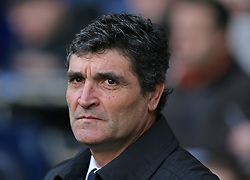 LONDON, ENGLAND - Saturday, February 2, 2008: Tottenham Hotspur's manager Juande Ramos against Manchester United during the Premiership match at White Hart Lane. (Photo by Chris Ratcliffe/Propaganda)