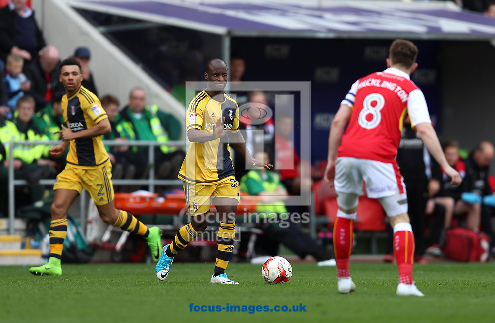 Sone Aluko (middle) of Fulham dictates play during the Sky Bet Championship match at the New York Stadium, Rotherham<br /> Picture by James Wilson/Focus Images Ltd 07709 548263<br /> 01/04/2017