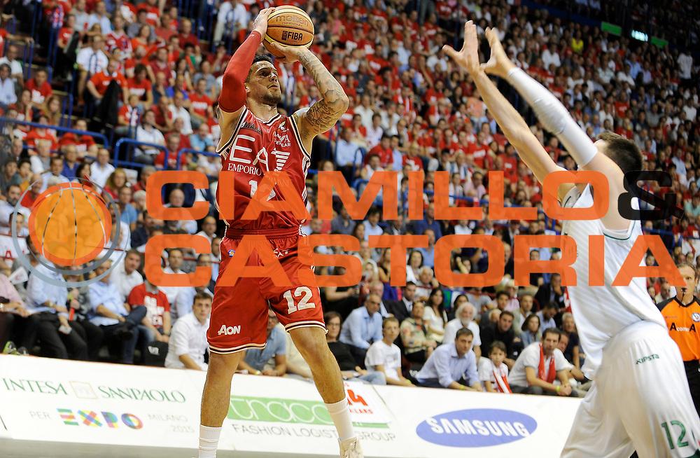DESCRIZIONE : Milano Campionato Lega A 2013-2014  EA7 Emporio Armani Milano Montepaschi Siena playoff  Finale Gara 5<br /> GIOCATORE : Daniel Hackett<br /> CATEGORIA : Tiro Three Points<br /> SQUADRA : EA7 Emporio Armani Milano<br /> EVENTO : Campionato Lega A 2013-2014 playoff  Finale Gara 5 <br /> GARA : EA7 Emporio Armani Milano Montepaschi Siena playoff  Finale Gara 5<br /> DATA : 23/06/2014 <br /> SPORT : Pallacanestro <br /> AUTORE : Agenzia Ciamillo-Castoria/A.Giberti <br /> GALLERIA : Lega A playoff 2013-2014 <br /> FOTONOTIZIA : Milano Campionato Lega A 2013-2014  EA7 Emporio Armani Milano Montepaschi Siena playoff  Finale Gara 5