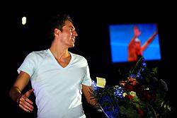 07-12-2008 ZWEMMEN: HULDIGING VAN DEN HOOGENBAND: EINDHOVEN<br /> Op een avond vol symboliek en verrassingen heeft Pieter van den Hoogenband afscheid genomen van de zwemsport <br /> ©2008-WWW.FOTOHOOGENDOORN.NL