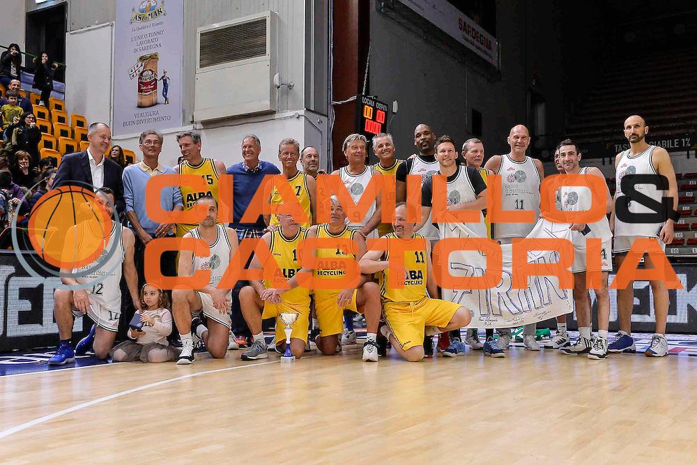 DESCRIZIONE : Dinamo Banco di Sardegna Sassari All Stars Legends Night<br /> GIOCATORE : Team<br /> CATEGORIA : Postgame<br /> SQUADRA : Dinamo Banco di Sardegna Sassari<br /> EVENTO : Dinamo Banco di Sardegna Sassari All Stars Legends Night<br /> GARA : Dinamo Banco di Sardegna Sassari - Alba Berlino Veterans<br /> DATA : 14/05/2016<br /> SPORT : Pallacanestro <br /> AUTORE : Agenzia Ciamillo-Castoria/L.Canu