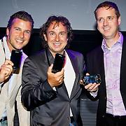 NLD/Amsterdam/20100701 - Presentatie nieuwe Samsung telefoon Galaxy S, Winston Gerschtanowitz , Marco Borsato en Directeur SAMSUNG Mobile Benelux Menno van den Berg