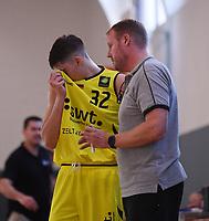 Basketball 2. Bundesliga 2019/2019  Testspiel  24.08.2019 Tigers Tuebingen - Kirchheim Knights Trainer Doug Spradley (re, Tigers) mit Nemanja Nadjfeji (li, Tigers)