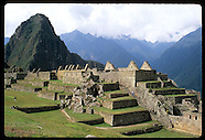 06: MACHU PICCHU RUINS ON THE EDGE