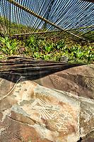 Inscrições rupestres próximas ao Costão do Santinho Resort, na Praia do Santinho. Florianópolis, Santa Catarina, Brasil. / Primitive inscriptions on the rocks next to Costao do Santinho Resort, in Santinho Beach. Florianopolis, Santa Catarina, Brazil.