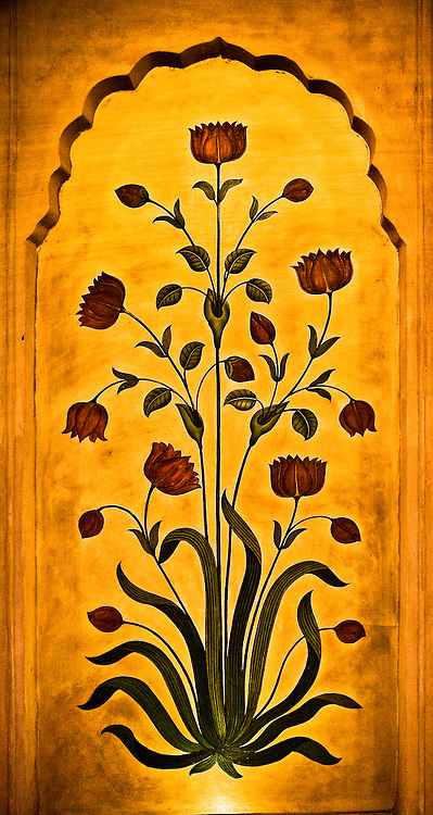 A decorative floral mural in the hotel Oberoi in Agra.<br /> (Photo by Matt Considine - Images of Asia Collection)