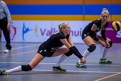 22-10-2016 NED: TT Papendal/Arnhem - Coolen Alterno, Arnhem<br /> Alterno heeft haar eerste overwinning binnen in de eredivisie. Na twee nederlagen schreef de Apeldoornse ploeg zaterdagmiddag in Valkenhuizen een 0-3 zege bij / Quirine Oosterveld #2