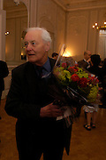 Tony Benn. 80th birthday celebration for Tony Benn given by his publisher, Hutchinson. Foreign Press Association. 5 April 2005. ONE TIME USE ONLY - DO NOT ARCHIVE  © Copyright Photograph by Dafydd Jones 66 Stockwell Park Rd. London SW9 0DA Tel 020 7733 0108 www.dafjones.com