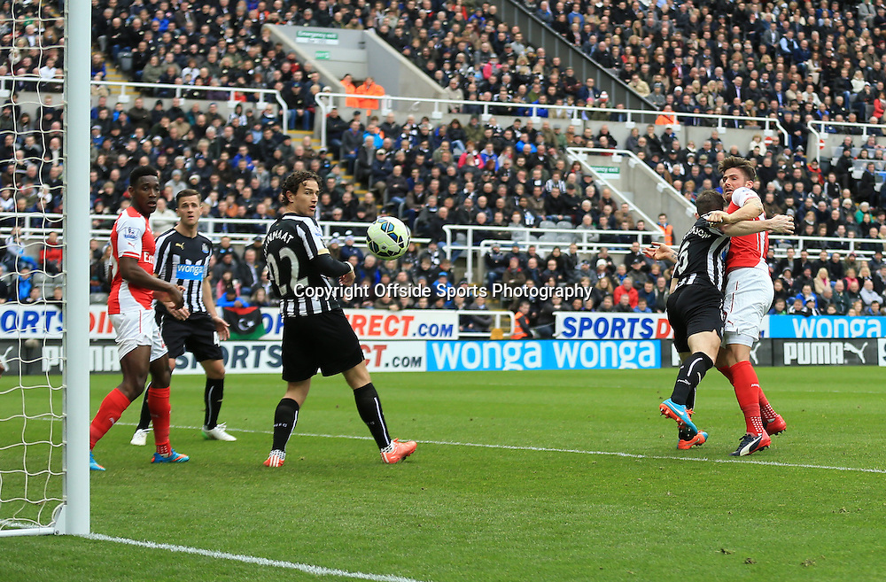 21 March 2015 - Barclays Premier League - Newcastle United v Arsenal - Olivier Giroud of Arsenal scores his 2nd goal - Photo: Marc Atkins / Offside.