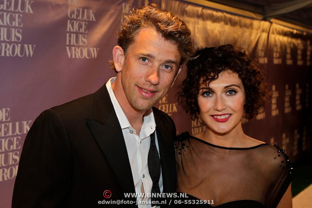 NLD/Amsterdam/20100412 - Premiere film de Gelukkige Huisvrouw, Waldemar Torenstra en Carice van Houten